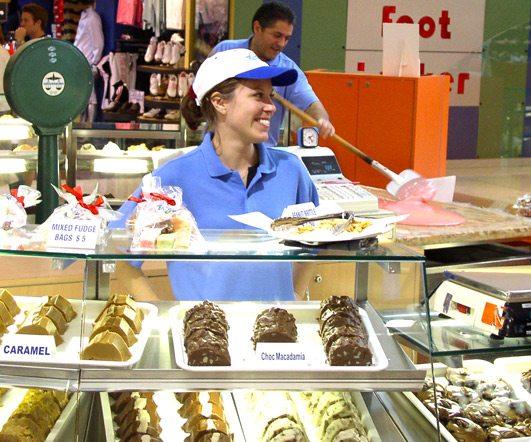 Pracovnice v Australské cukrárně